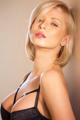 Estonian escort Katerina ()