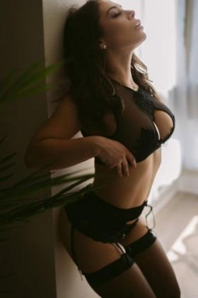 Brazilian escort Laura (Singapore)