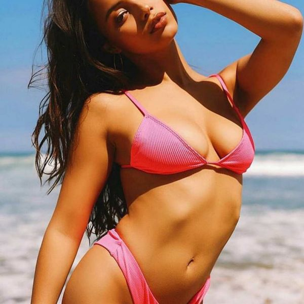 Fiona, age: 23 height: 162, weight: 49