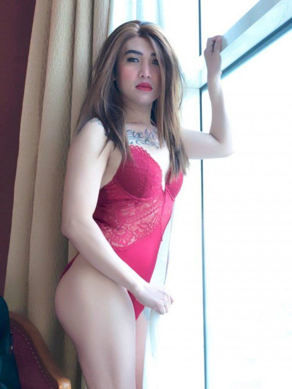 Sexy Singapore woman with tight ass, 58 kg; 165 cm