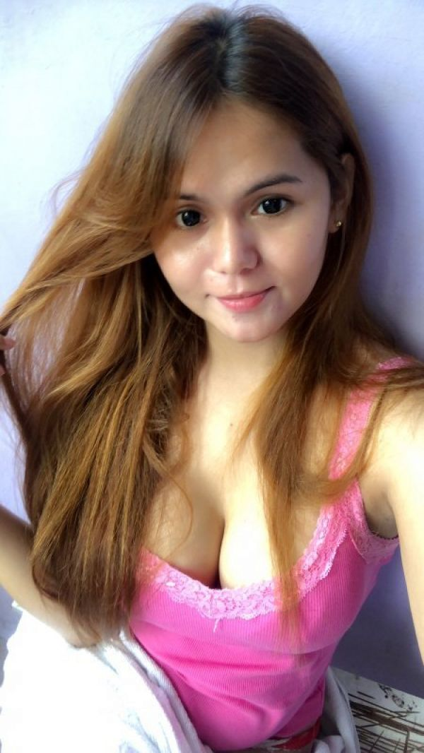 Carla provides Singapore erotic massage to respectful gents