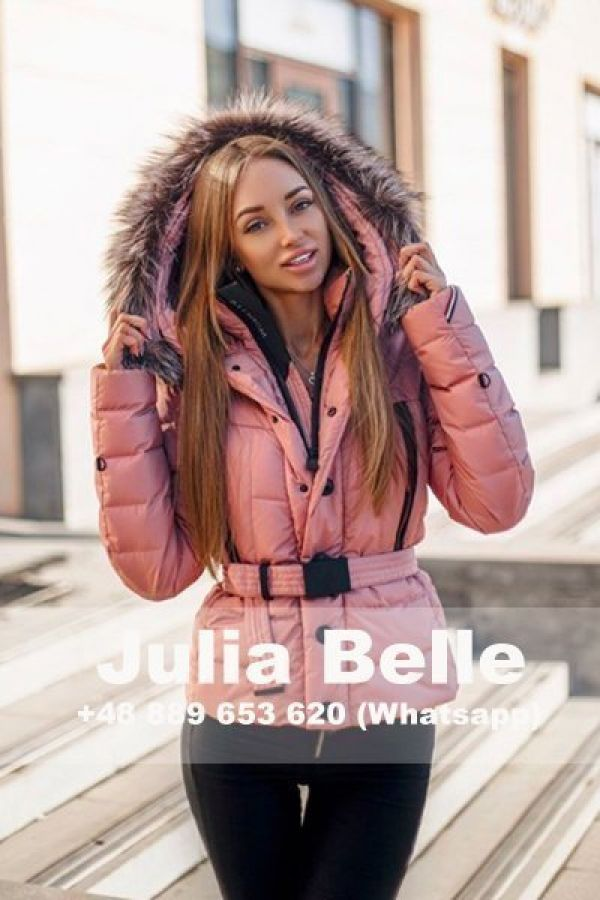 whore Julia Belle from