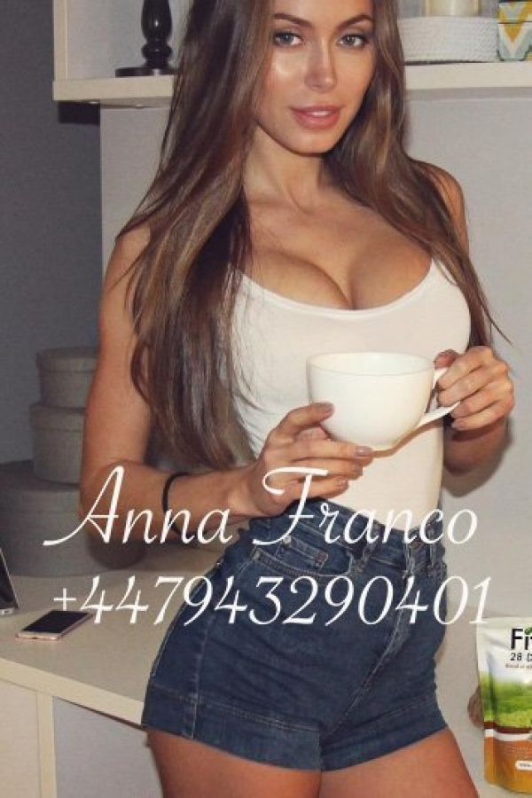 Anna Franco, photos from the site sexosingapore.com